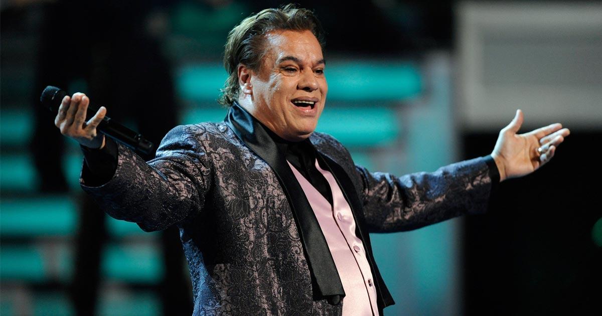 Juan Gabriel le crea canción a Puebla