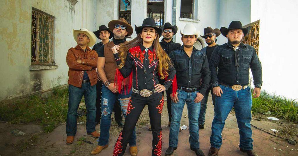 Laura Denisse y Los Brillantes, La Gorda FM