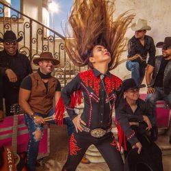 Laura Denisse y Los Brillantes estrenan disco de éxitos country